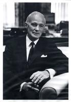 Alfred Hayes (banker)