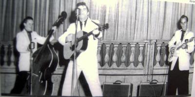 Warren Smith (singer)